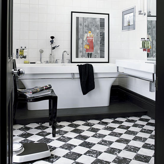 paint bathroom walls black and white