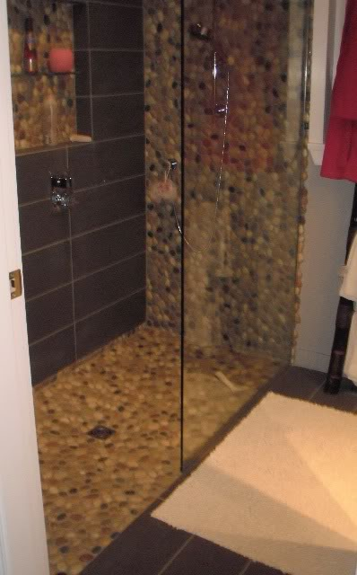 Incredible Bathroom Floors Of River Rock A Detailed House Interior Design Ideas Gentotryabchikinfo